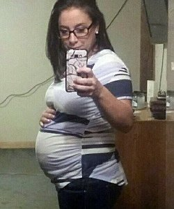 twin pregnancy belly