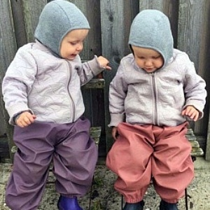twin toddlers in wellies