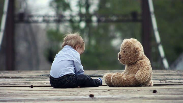 Toddler with teddybear