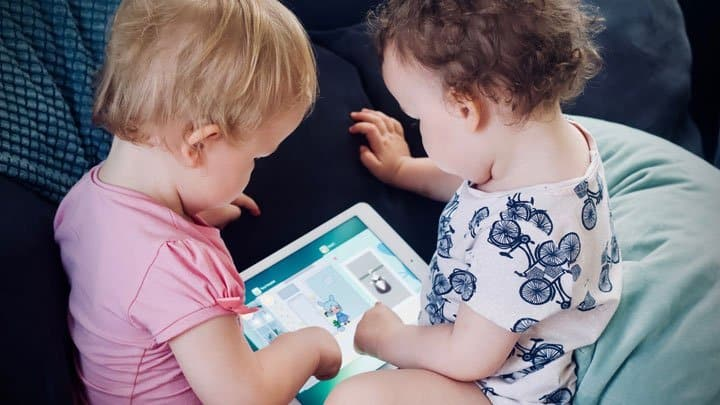 Twins using Ipad