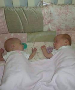 twins born at 27 weeks