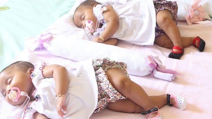 Twin baby girls sleeping