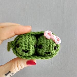 crochet two peas in a pod